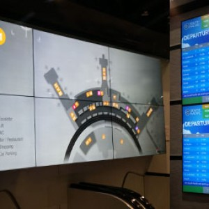 digital signage_industries_airport